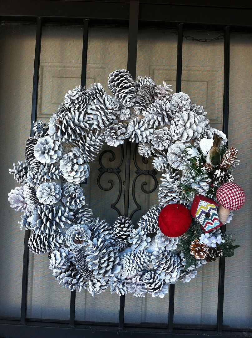 alt=&quot;Kathe with an E Pine Cone Wreath Tutorial&quot;